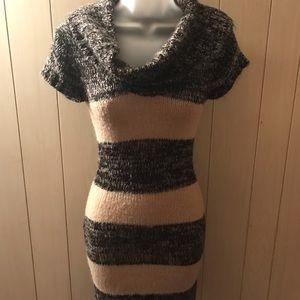 Set of 3 sweater dresses super cute with leggings!
